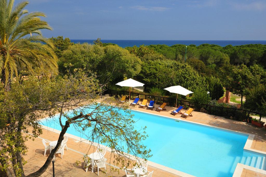 Veduta esterna piscina Hotel Fuile e Mare
