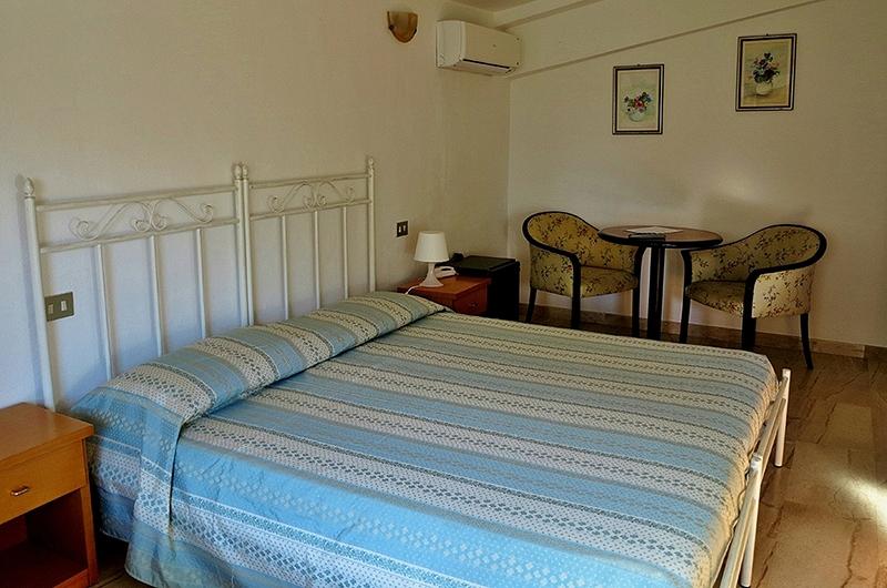 Camera tripla hotel fuile e mare